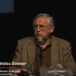 Imagem do vídeo: Ladislau Dowbor - segundo Fórum Internacional Criança e Consumo.