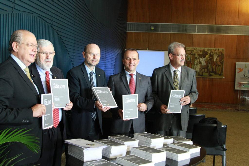 Deputado Hauly, Deputado Padre Luiz Couto, Deputado Bohn Gass, Deputado Helder Salomão, Deputado Geraldo Resende (Foto: Laura Leal/ Instituto Alana)