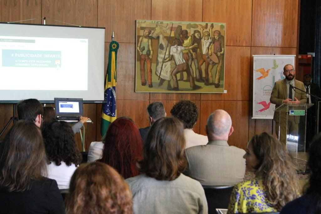 Renato Godoy, pesquisador do Instituto Alana (Foto: Laura Leal/ Instituto Alana)