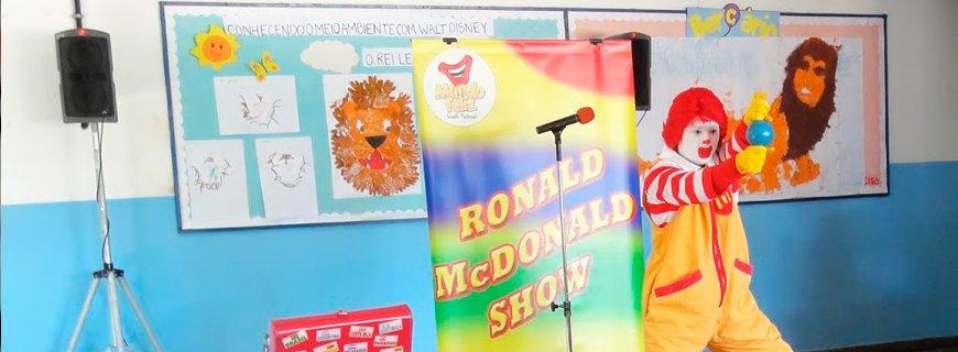 Carta a CEO do McDonald's pede que Ronald saia das escolas