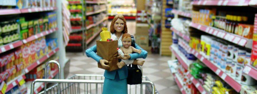 60% das mães cedem à vontade dos filhos na hora das compras