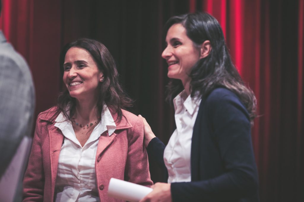 Isabella Henriques, diretora de Advocacy do Alana, e Vanessa Nadalin, economista do IPEA (Foto: Otavio Sousa)