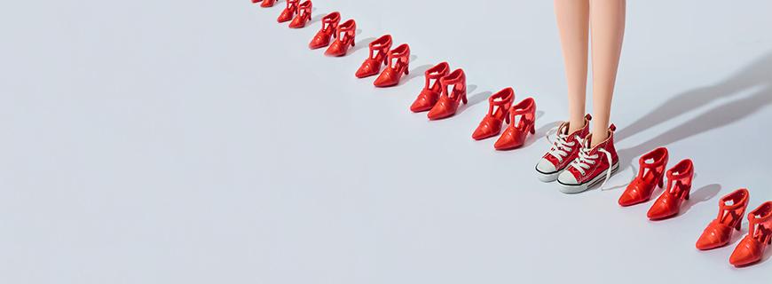Meninas e publicidade infantil: empresas, chega de encurtar a infância!