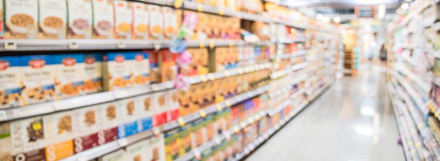 Após notificação do Criança e Consumo, supermercado retira publicidade infantil com apologia ao uso de armas